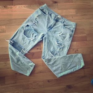 Forever21 Distressed Jeans sz30